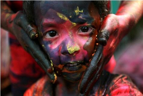 Holi, por REUTERS-Amit Dave