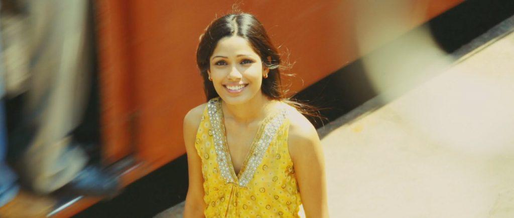 Freida Pinto en el papel de Latika en Slumdog Millionaire.