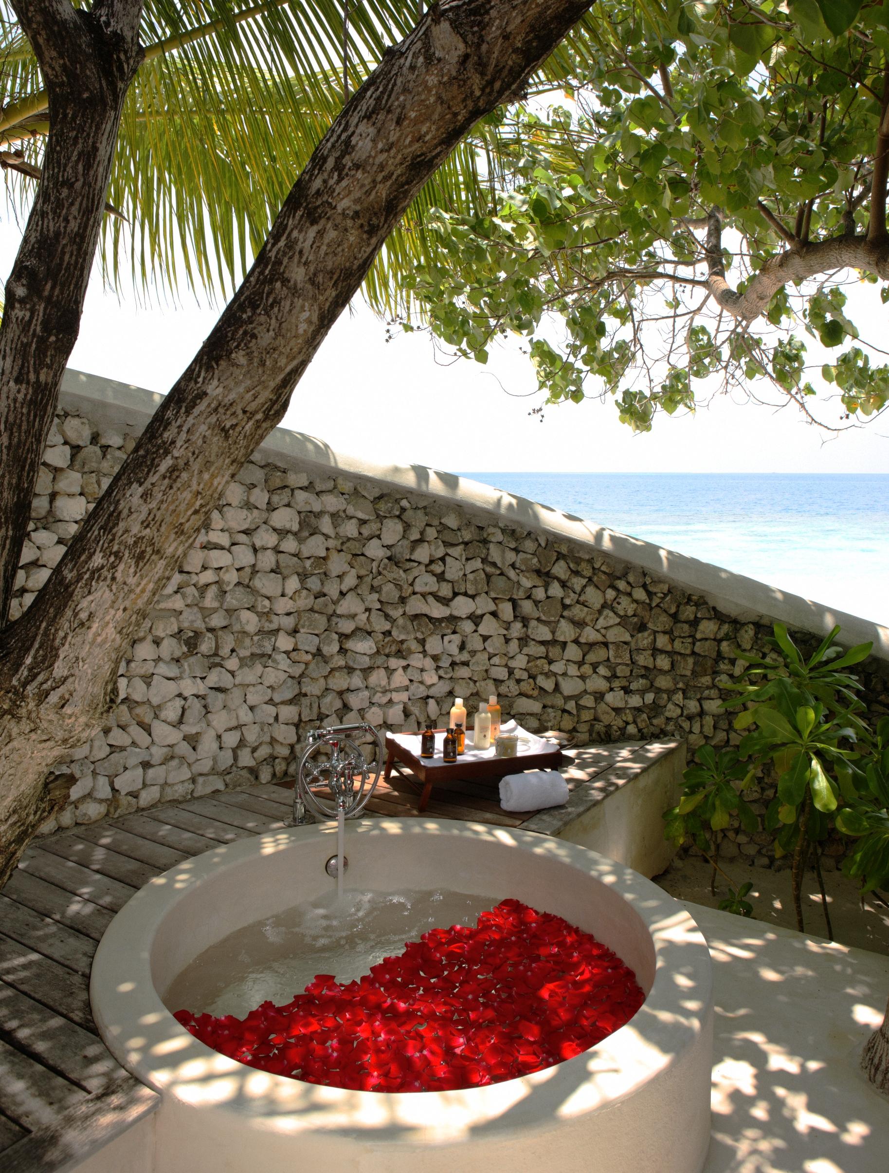 Jacuzzi con vistas en Maldivas - Cocoa Island by Como