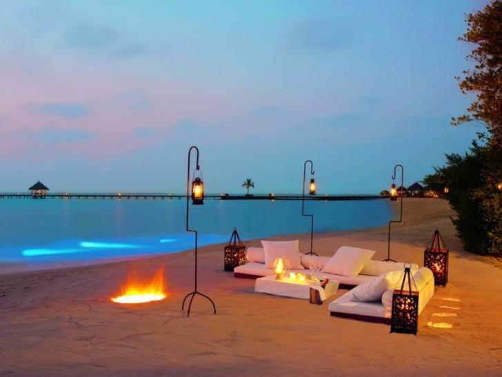 Cena romántico a orillas del Índico en Maldivas