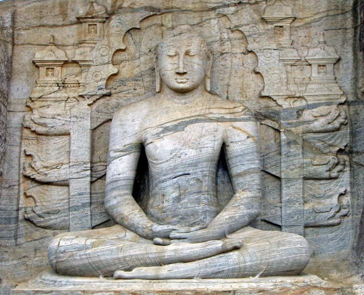Buda sentado de Gal Viharaya - Polonnawura