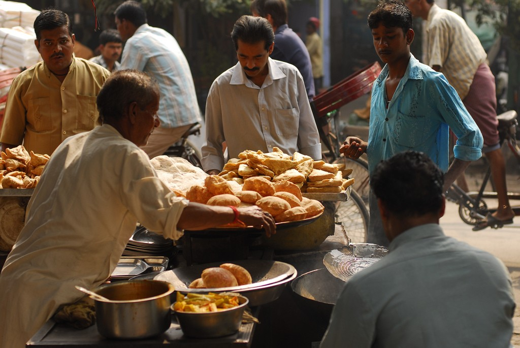 What to see in Delhi: Food stalls in Chandni Chowk (c)