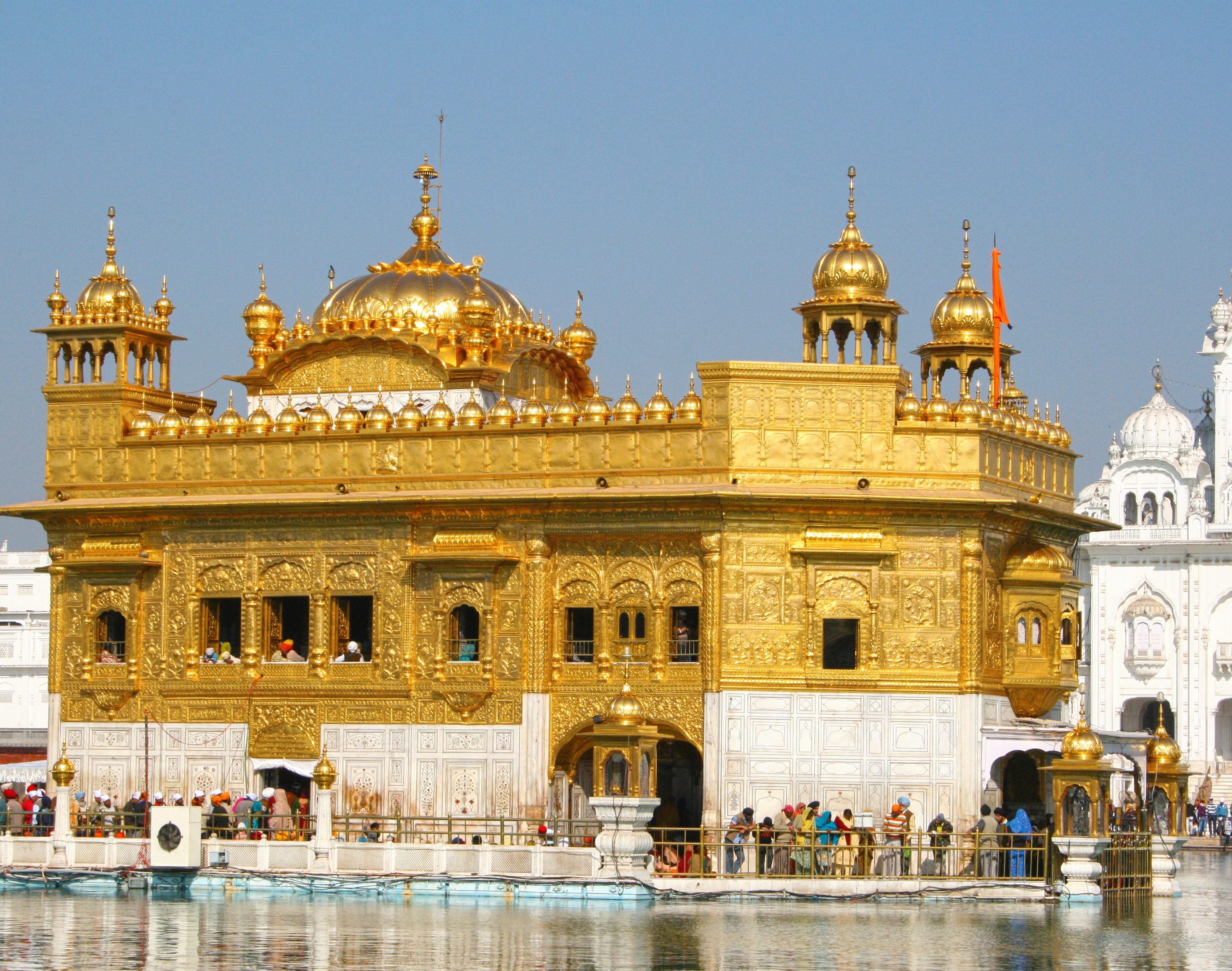 Indian religious music - Amritsar Golden Temple