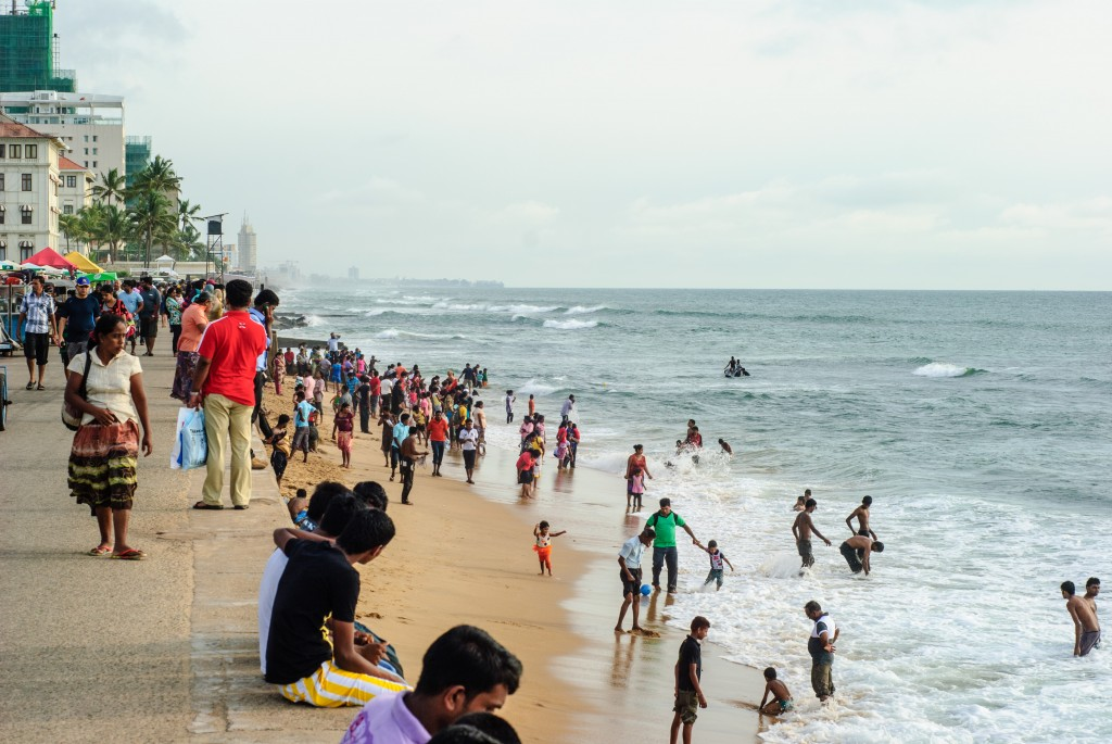 Galle Face Green: Typical waterfront scene