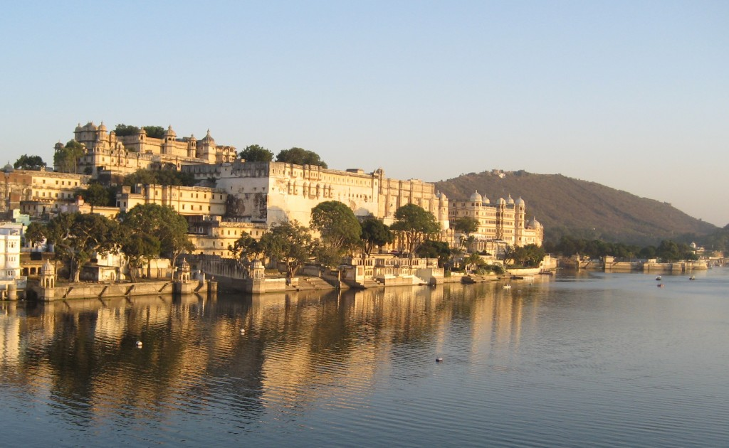 Rajasthan as a couple - City Palace from Lake Pichola - Udaipur