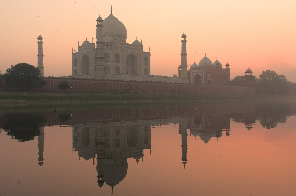 History of the Taj Mahal - Taj Mahal at sunset