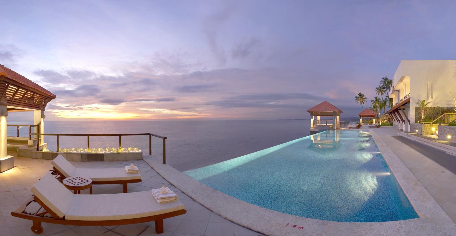 Hoteles en india for Hoteles con piscinas naturales