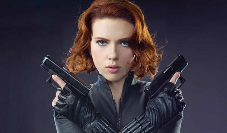 Scarlett Johansson es Kaa - Viuda Negra - © Youtube