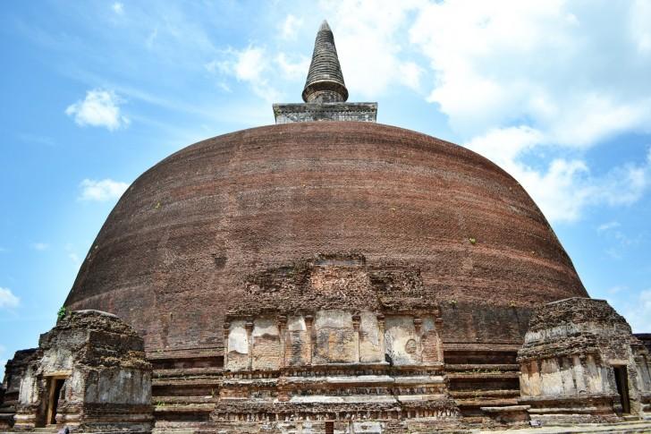 Viajar a Sri Lanka en verano. Estupa en Polonnaruwa