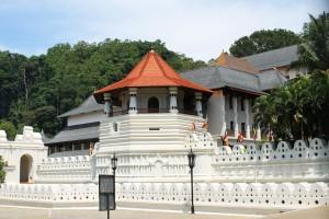 Viajar a Sri Lanka en febrero. Templo del Diente de Buda en Kandy