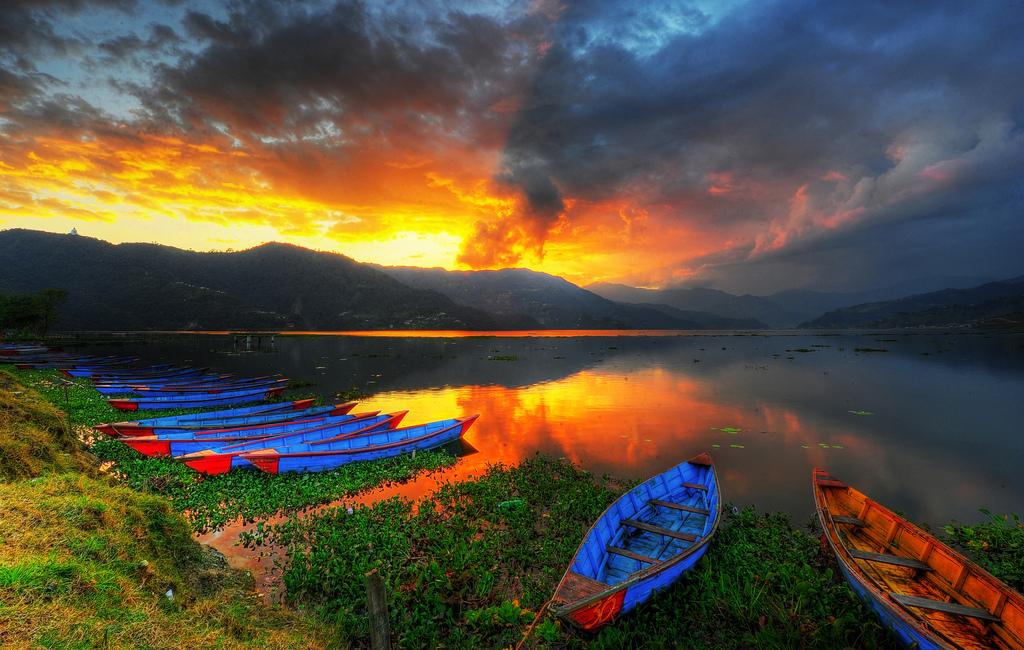 Visitar Nepal después del terremoto - Puesta de sol en Pokhara