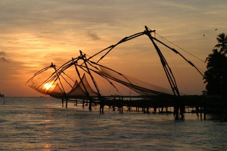 Primer aeropuerto con energía solar en India - Redes de pescar en Fort Cochin