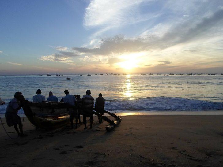 Viajar a Sri Lanka en julio. Playa