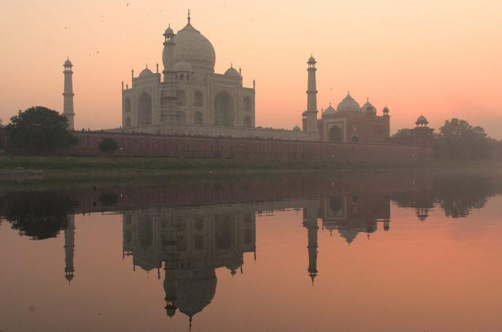 India del Norte y Mumbai: Taj Mahal al amanecer