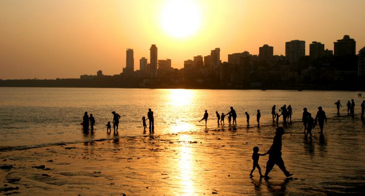 vuelo directo Delhi - Chowpatty Beach