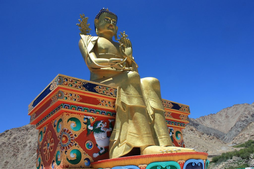 7-towns-with-charm-in-india-of-north-buddha-of-likir-c-