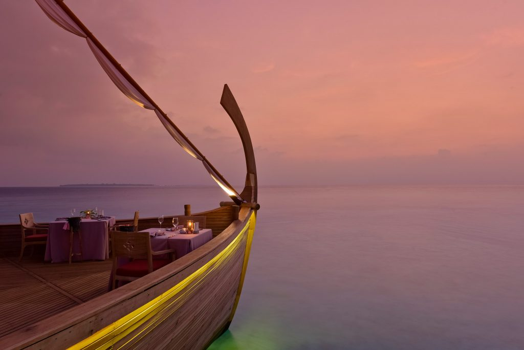 Experiencias de Sociedad Geográfica de las Indias - Cenar en un dhoni en Milaidhoo Island Maldives- restaurantes del subcontinente indio