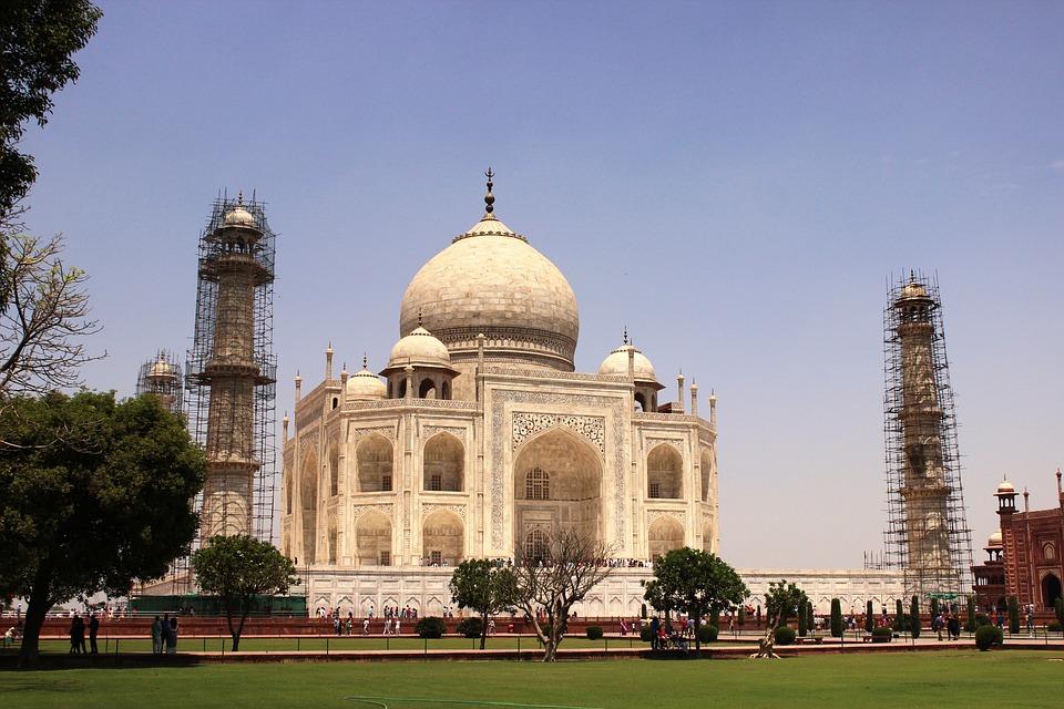 Taj Mahal renovado