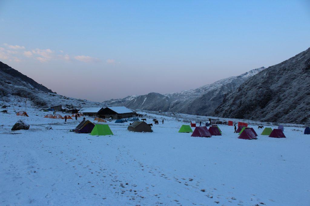 campamento en el himalaya