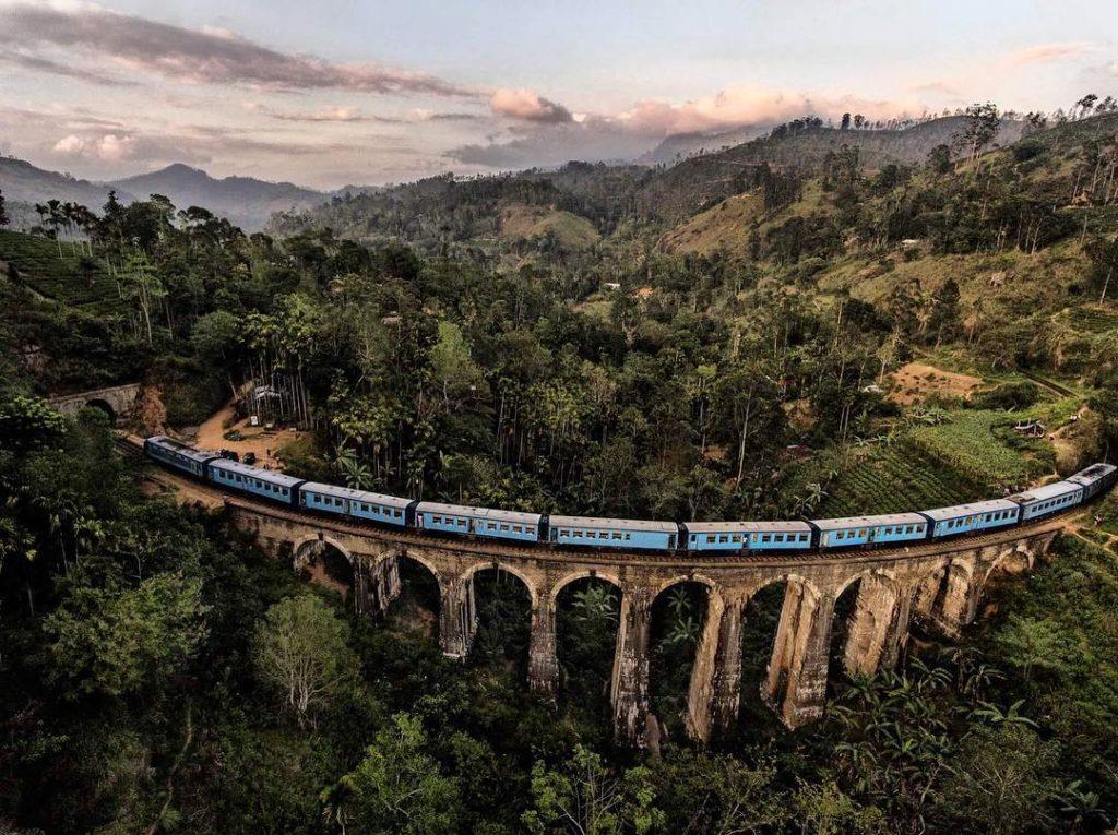 El famoso tren de Sri Lanka entre Nuwara Eliya y Ella