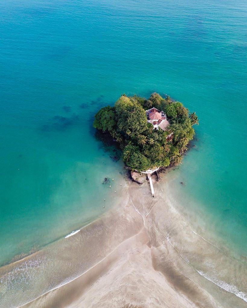 Taprobane Island a vista de dron