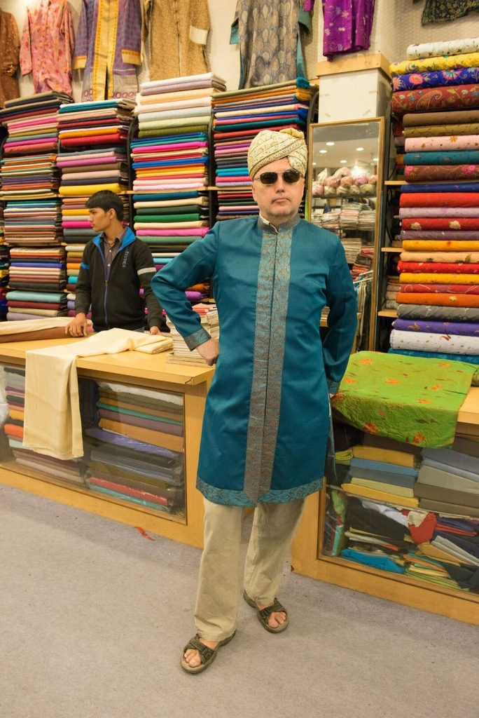 Try typical clothes at an Indian store
