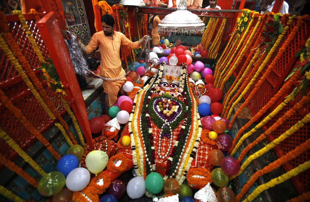 Escultura de Hanuman durante una celebración en Allahabad