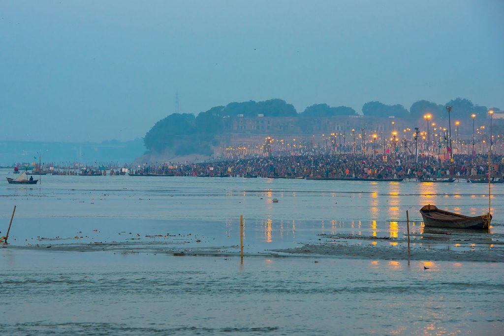 Triveni Sangam es el lugar de tres ríos en Allahabad