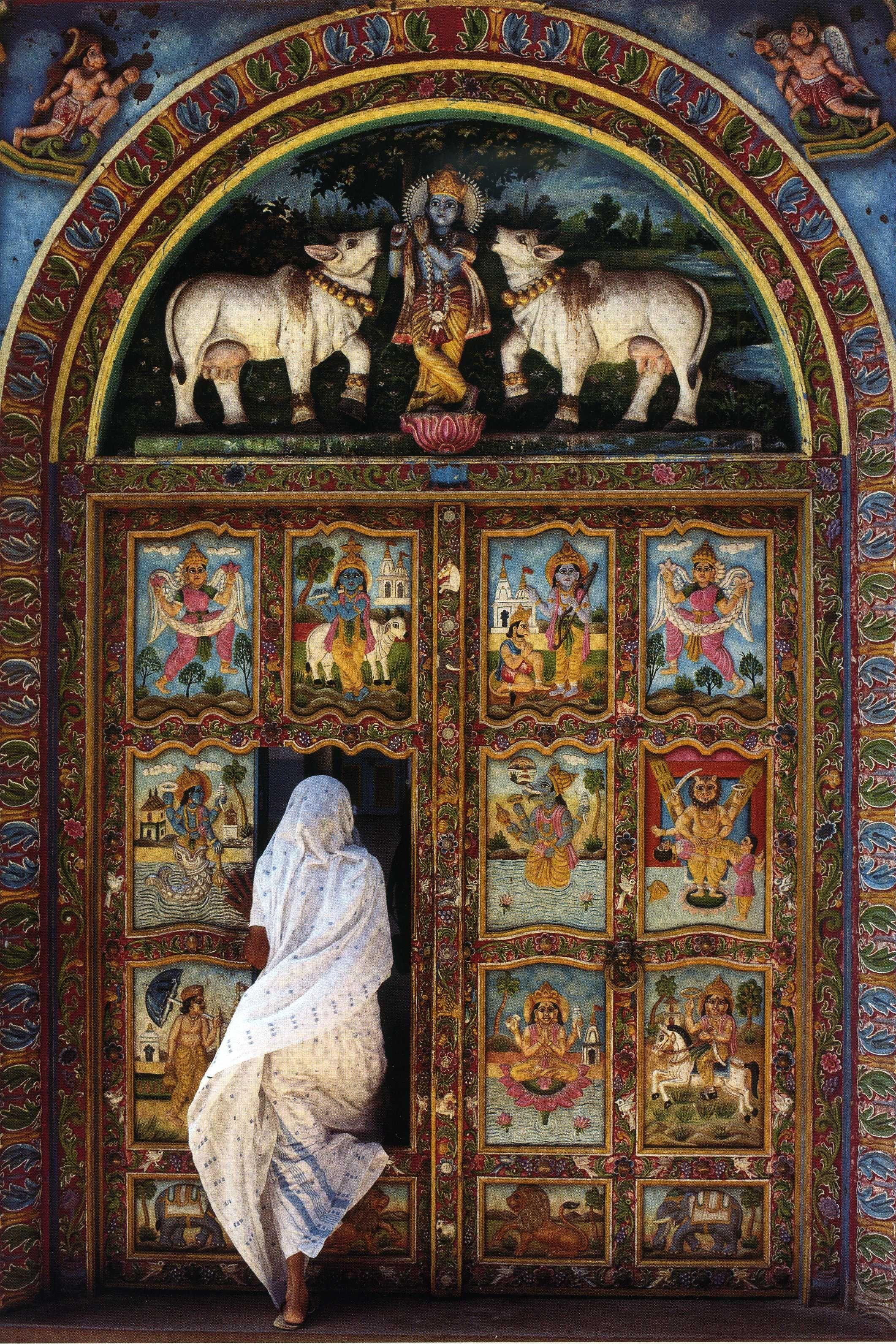Puerta de un templo de Krishna