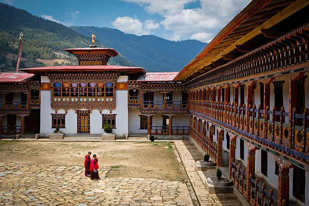 Interior de dzong de Paro, uno de los más famosos de Bután