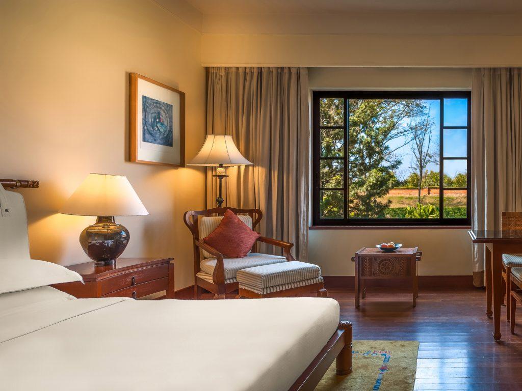 Habitación del hotel Hyatt Regency de Katmandú con vistas