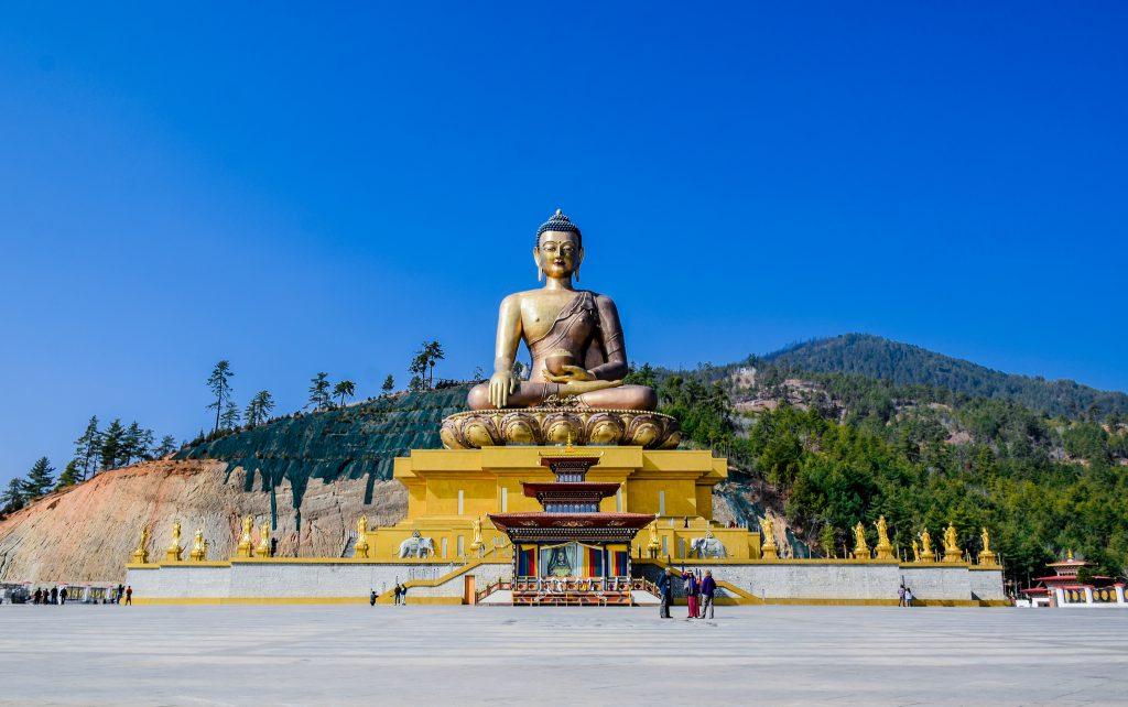Dordenma en Bután es una de las mayores estatuas budistas