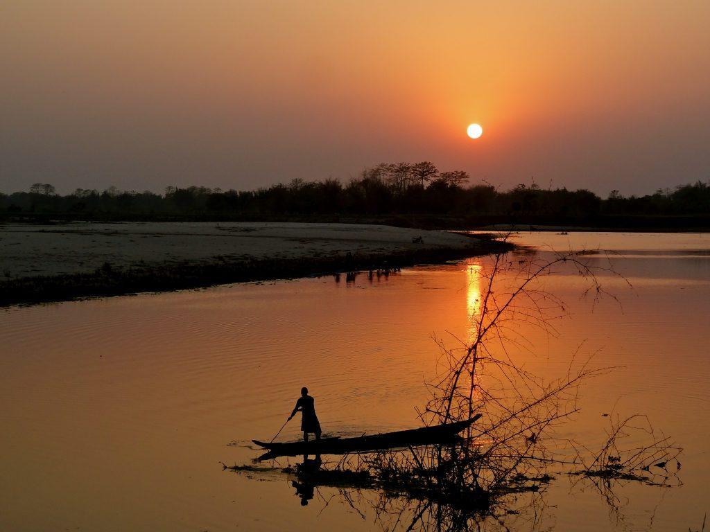 Atardecer en la isla de Majuli en India