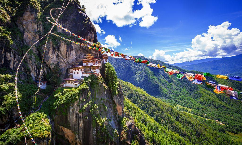 Escalada hasta el Nido del Tigre de Bután