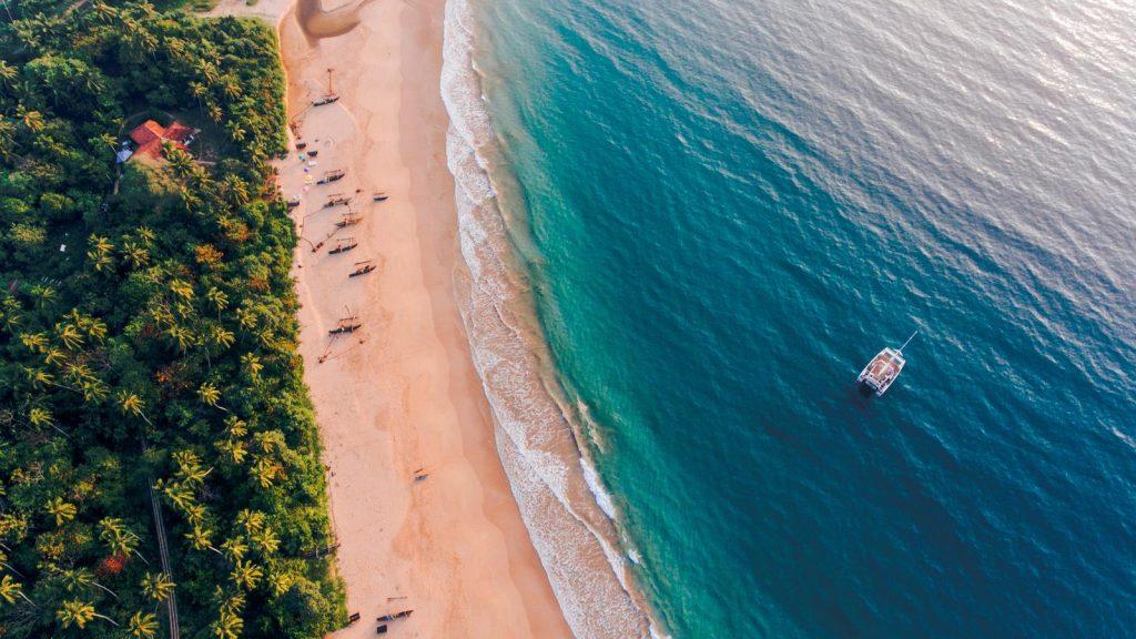 Playa de Mirissa desde las alturas