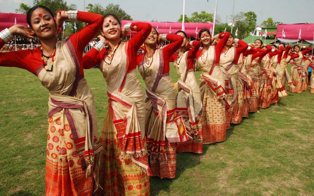 Bohag Bihu, fiesta famosa en el estado de Assam.