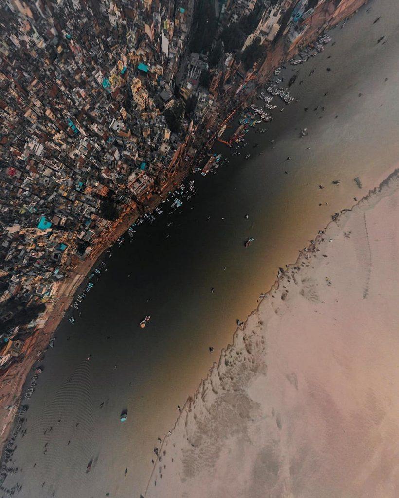 Varanasi fotografiada desde un dron