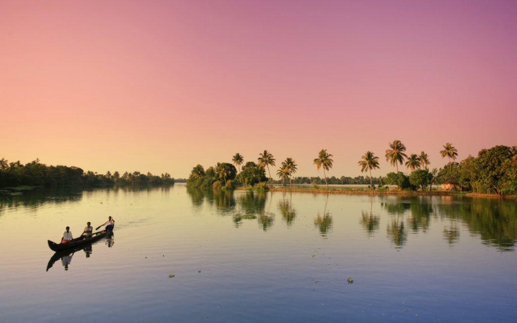 Atardecer en los backwaters de Kerala