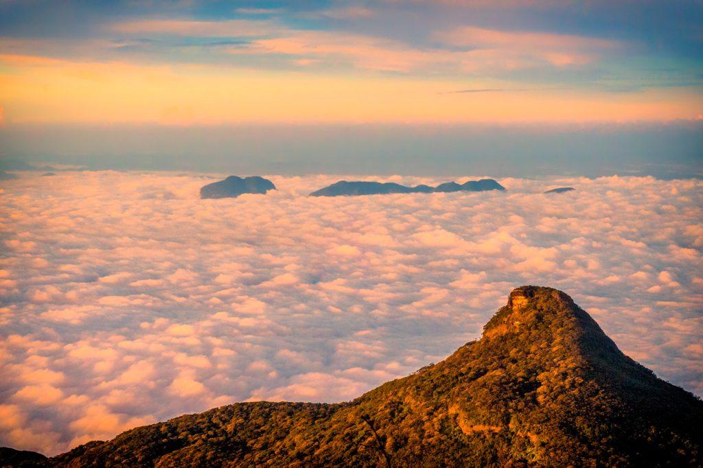 Amanecer en Adam's Peak