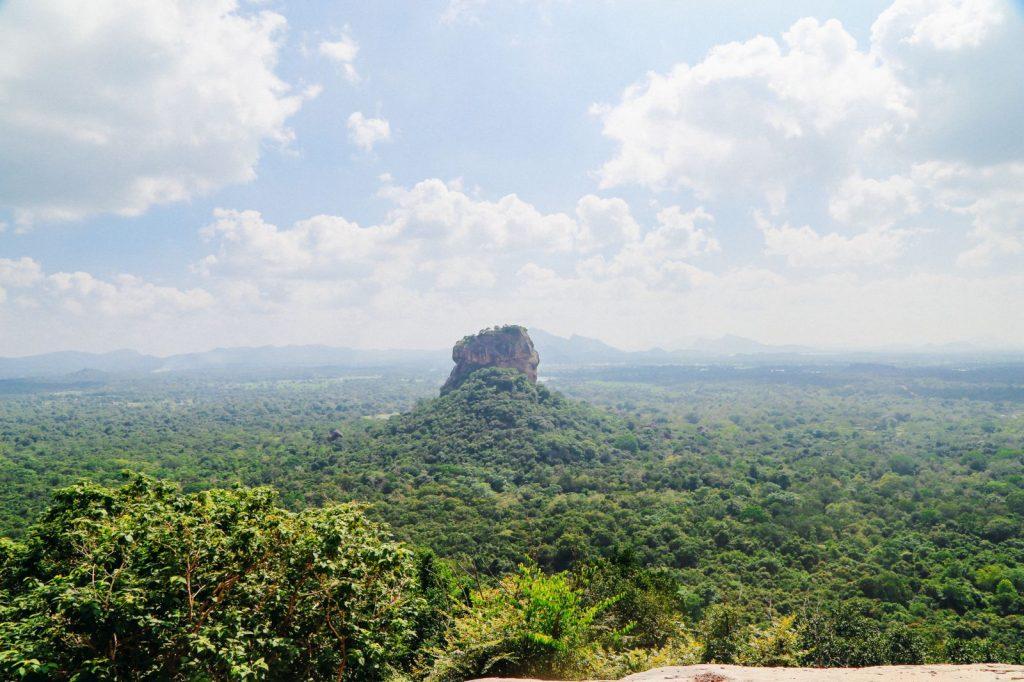 La roca de Sigiriya desde Pidurangala Rock