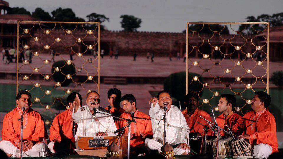 Espectáculo indio en el Taj Mahotsav