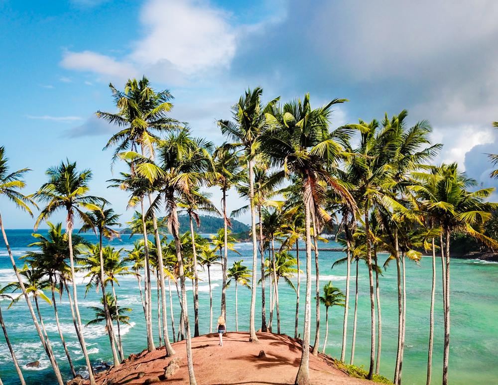 Vista del océano Índico desde Coconut Tree Hill en Mirissa Sri Lanka