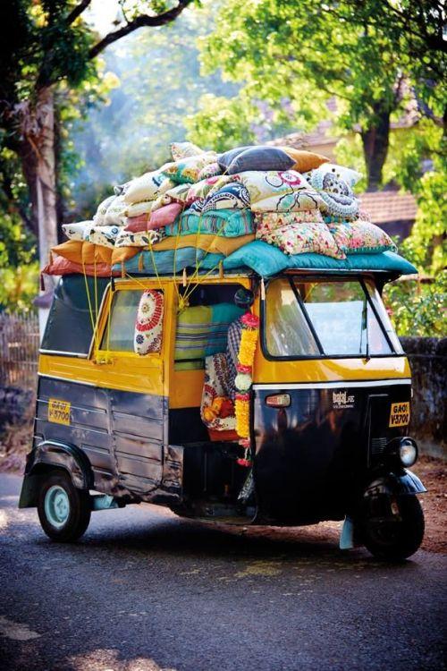 Rickshaw con cojines en India