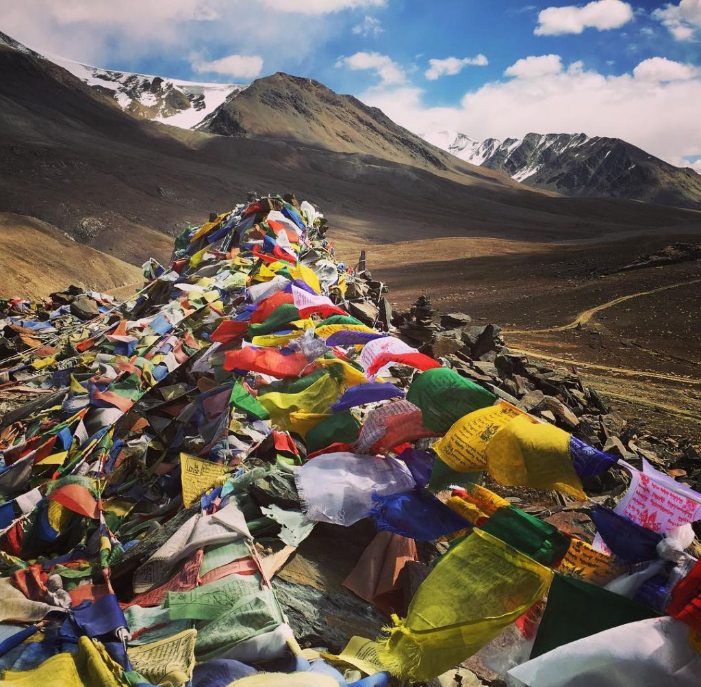 Baralacha-la Pass and colored flags