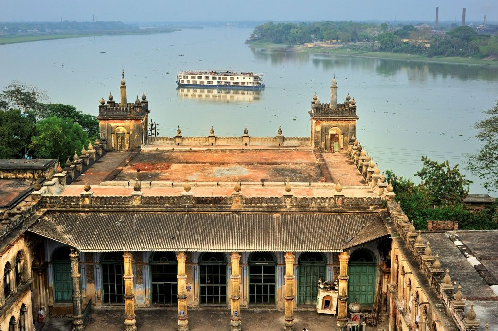 Cruise together old Ganges river palace