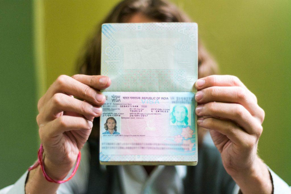 Visa a India