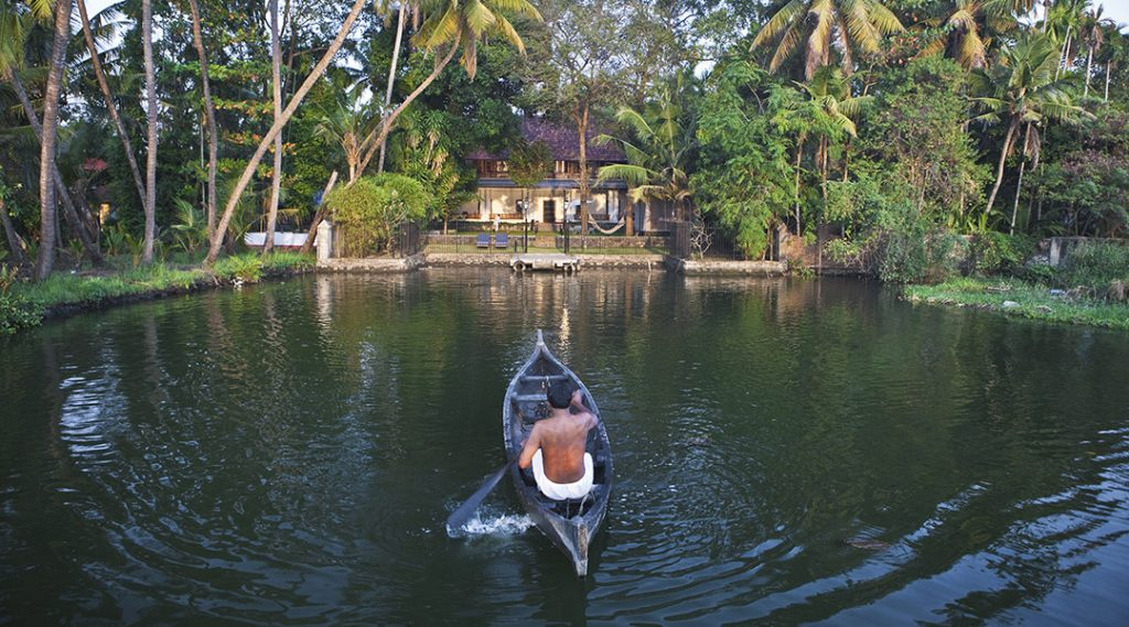 Canales de Kochi en India