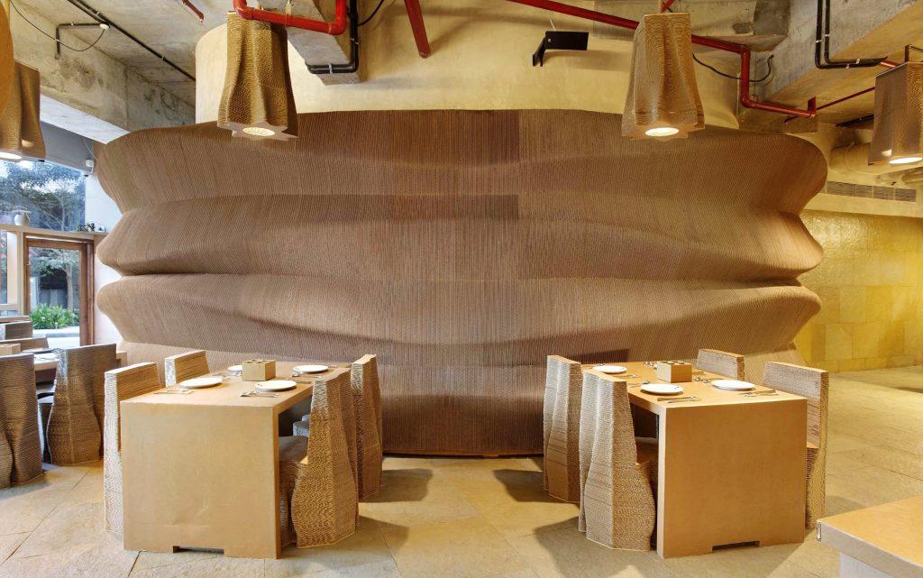 Cardboard restaurant in Mumbai