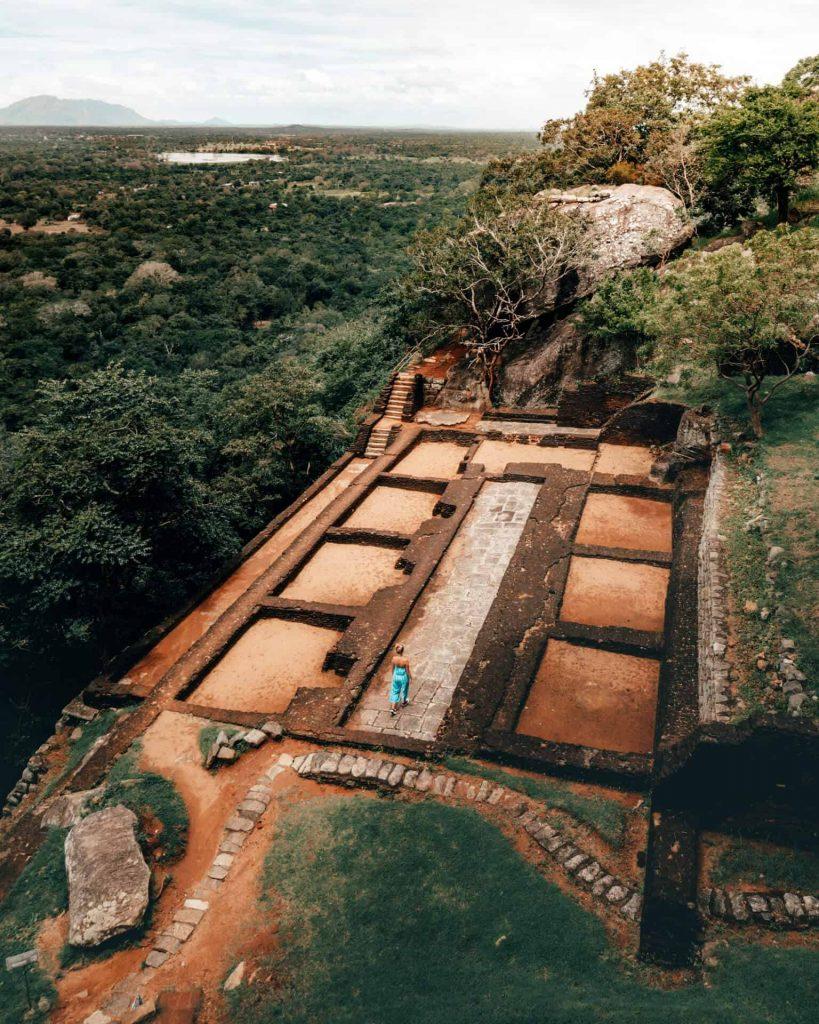 Palacio inferior de la gran roca de Sri Lanka