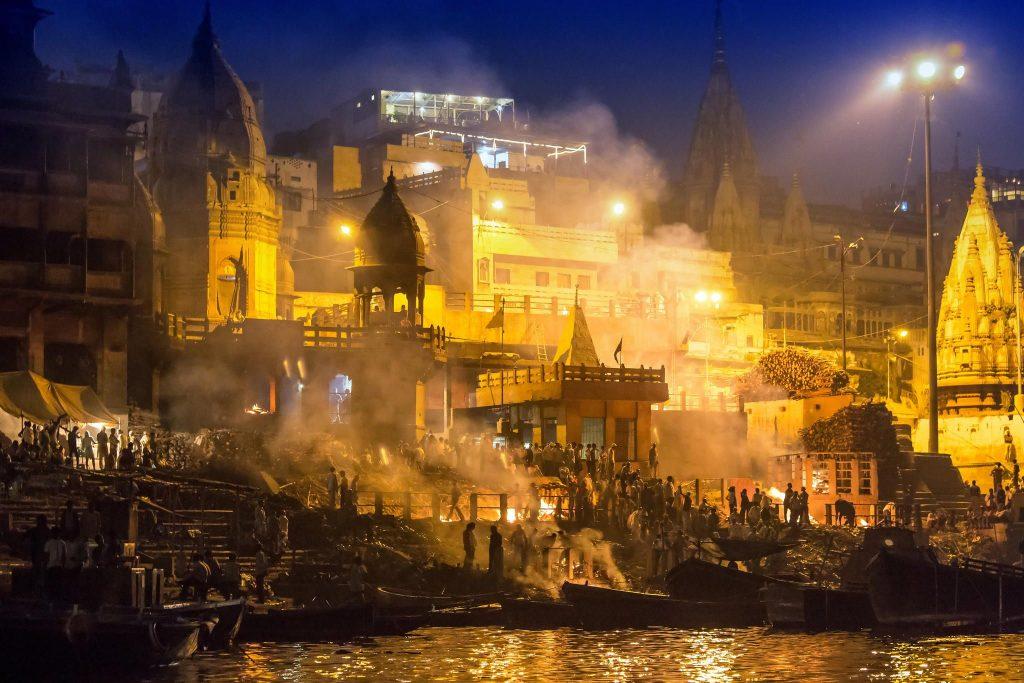 Rituales de cremación en Varanasi